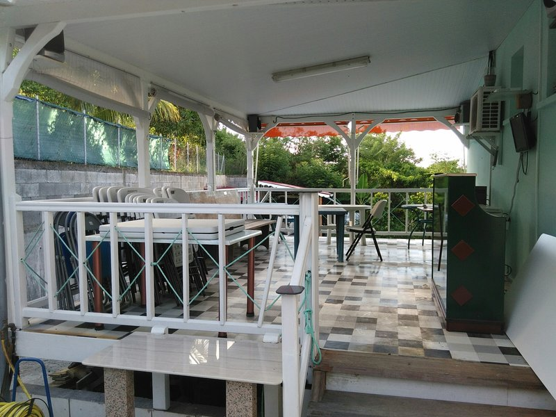 Beautiful studio near the beach, vacation rental in Riviere-Salee