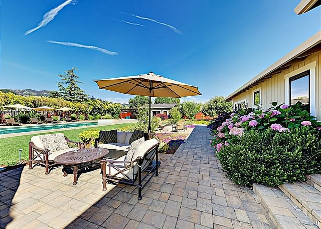 Fabulous Wine Country House w/ Pool, Spa, Fitness Cabana & Bocce Court, vacation rental in Kenwood