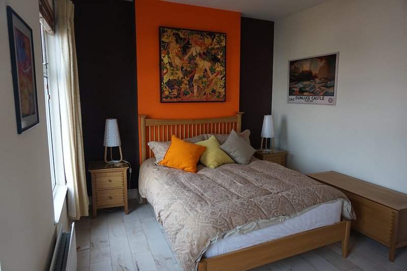 Shearwater town house - something different, location de vacances à Newtownards