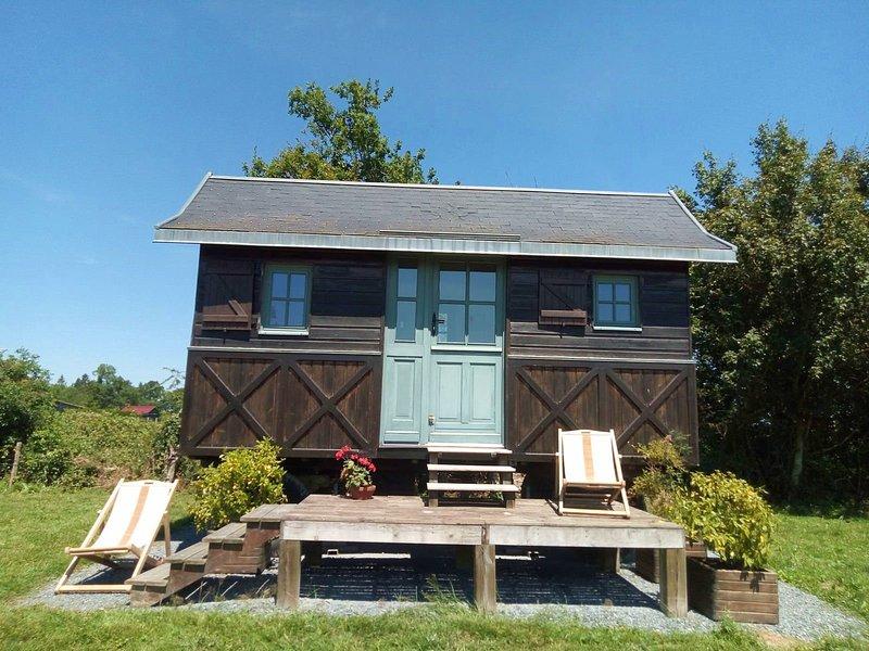 Roulotte Normande - 2 couchages, location de vacances à Saint-Loup-de-Fribois