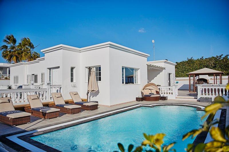 Luxurious Modern Boutique Villa In Puerto Calero, vacation rental in Puerto Calero