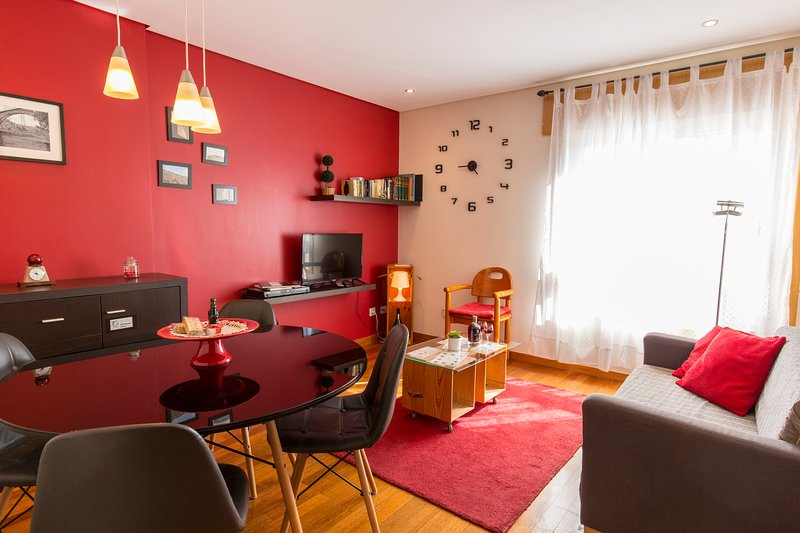 Porto - Francos' Relaxing Apt by the metro, holiday rental in Leca do Bailio