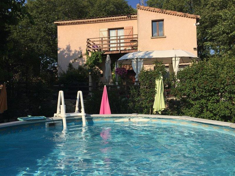 Amazing villa with swimming-pool, aluguéis de temporada em Berrias et Castejau