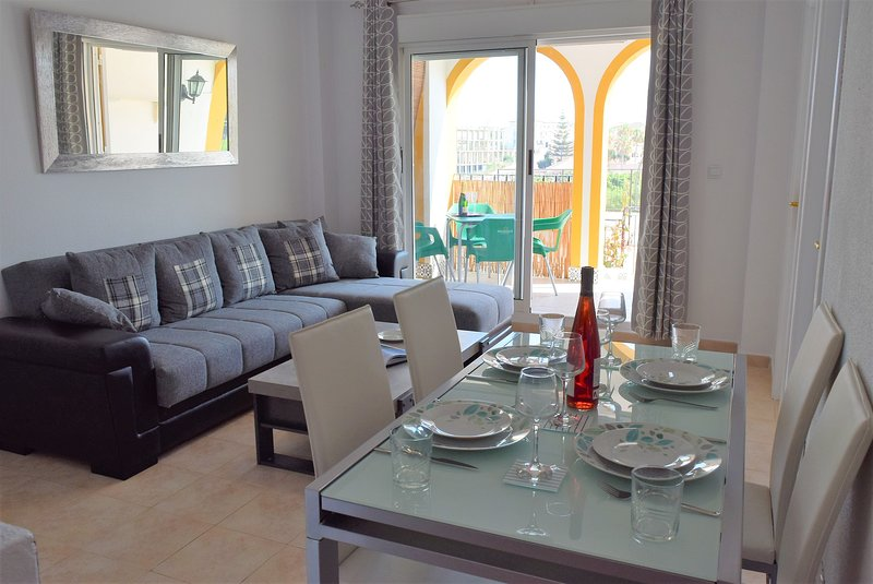 Molino Blanco Apartment 9 - (South Facing nr pool), holiday rental in La Zenia
