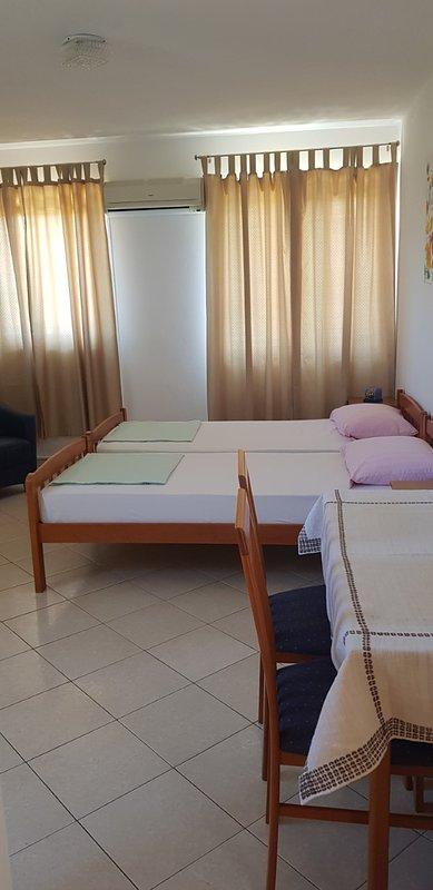 Apartment No. 2, casa vacanza a Pirovac