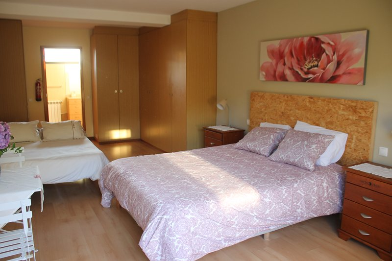Quite and private suite near the beach and river, aluguéis de temporada em Distrito de Viana do Castelo