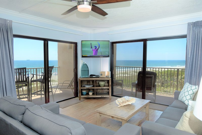 Direct ocean front, corner condo, with breathtaking views down the coast!