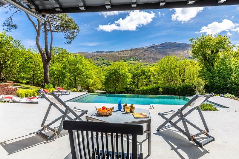 Ascain Villa Sleeps 6 with Pool and Air Con - 5809175, alquiler vacacional en Sare