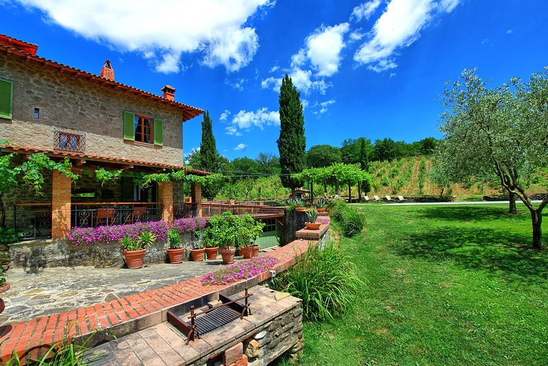 Borgo a Giovi Villa Sleeps 10 with Pool - 5241509, holiday rental in Bagnena