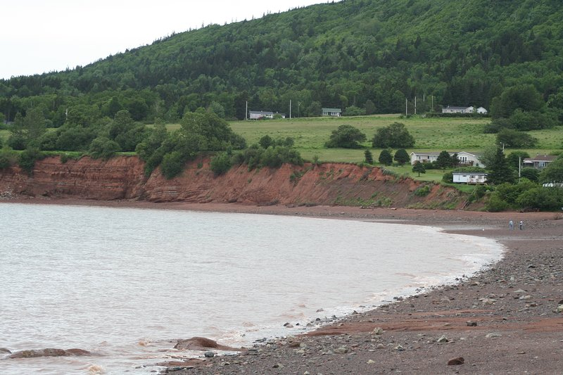 Fall Colours and the beach in the Cliffs of Fundy Geopark., aluguéis de temporada em Parrsboro