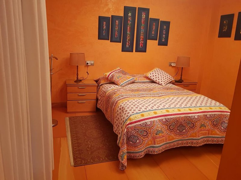 Nice apt in Oviedo & Wifi, location de vacances à Las Regueras Municipality
