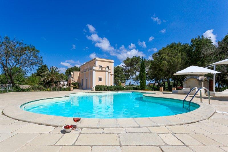Nardo Villa Sleeps 10 with Pool and Air Con - 5809172, vacation rental in Villaggio Resta
