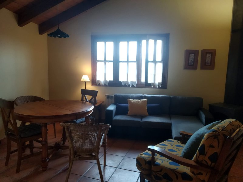 Nice apt with mountain view, vacation rental in Durro