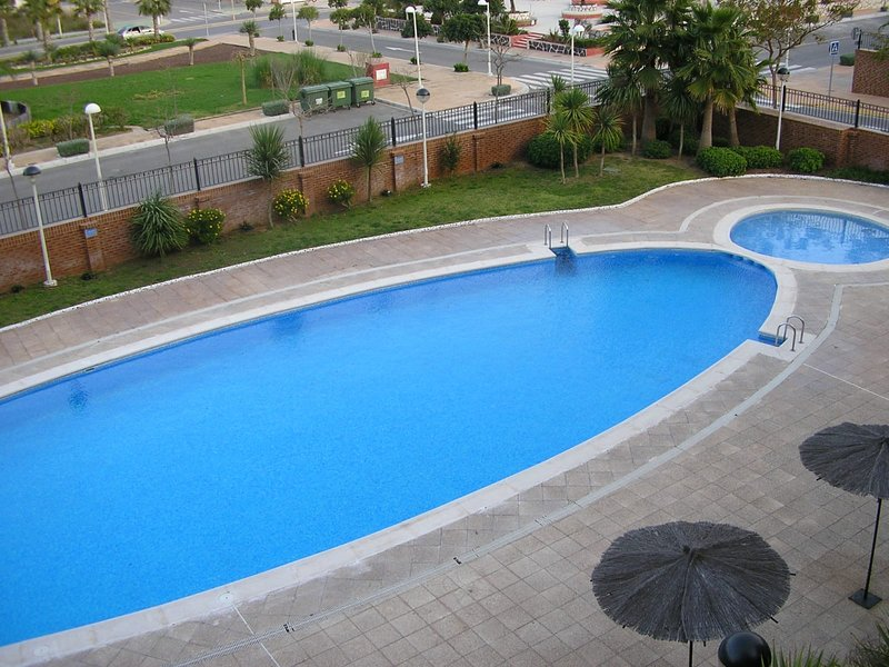 Apartment with shared pool, holiday rental in Cabanes