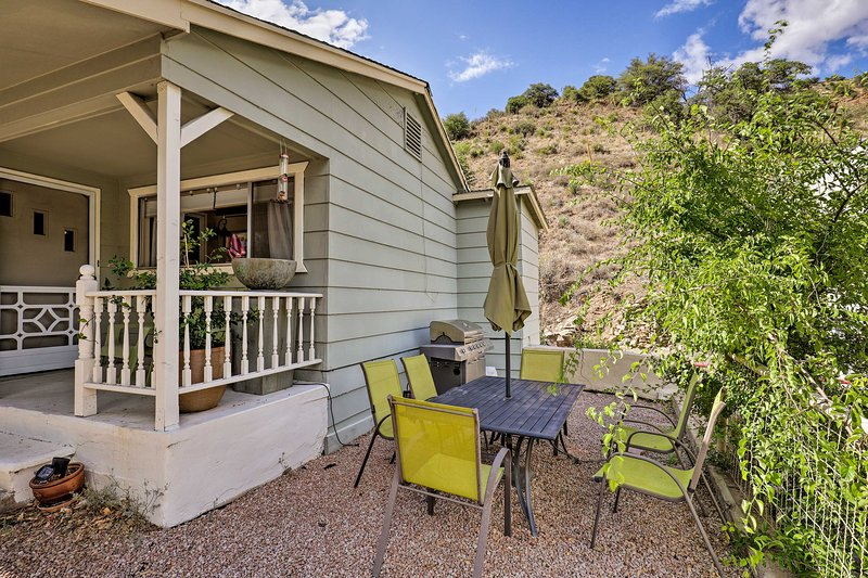 Bisbee House w/ Private Yard, Parking, Grill!, vacation rental in Bisbee