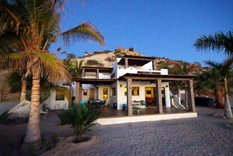 ☀️Beachfront Home w/guest house-Gated 5BD/5BA-Awesome sandy beach-From $125/, holiday rental in El Sargento