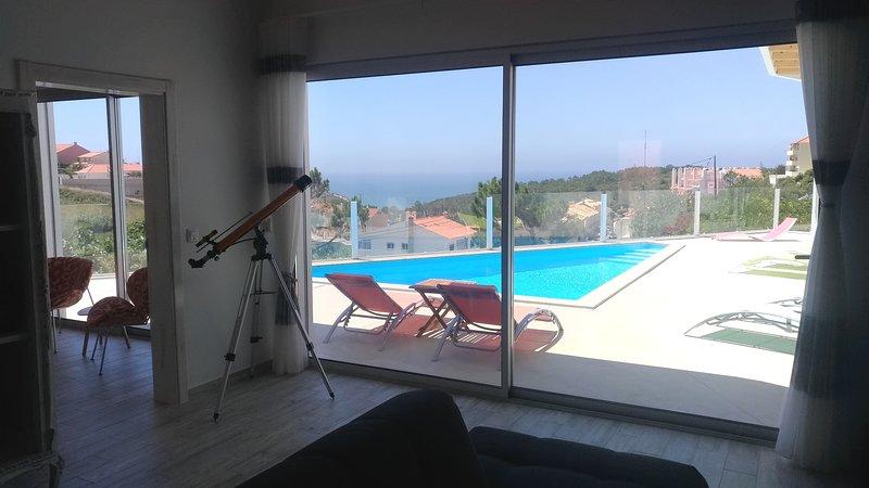 Nira Beach House - Eleganc and Charm with sea view, alquiler de vacaciones en Ericeira