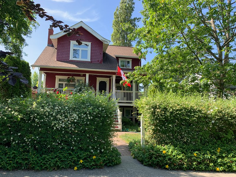 Cascadia Bed and Breakfast, location de vacances à New Westminster