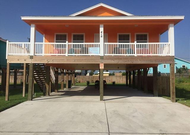 SSH416: Spacious Home, Outdoor Seating, Ample Parking, Golf Cart Accessible, location de vacances à Port Aransas