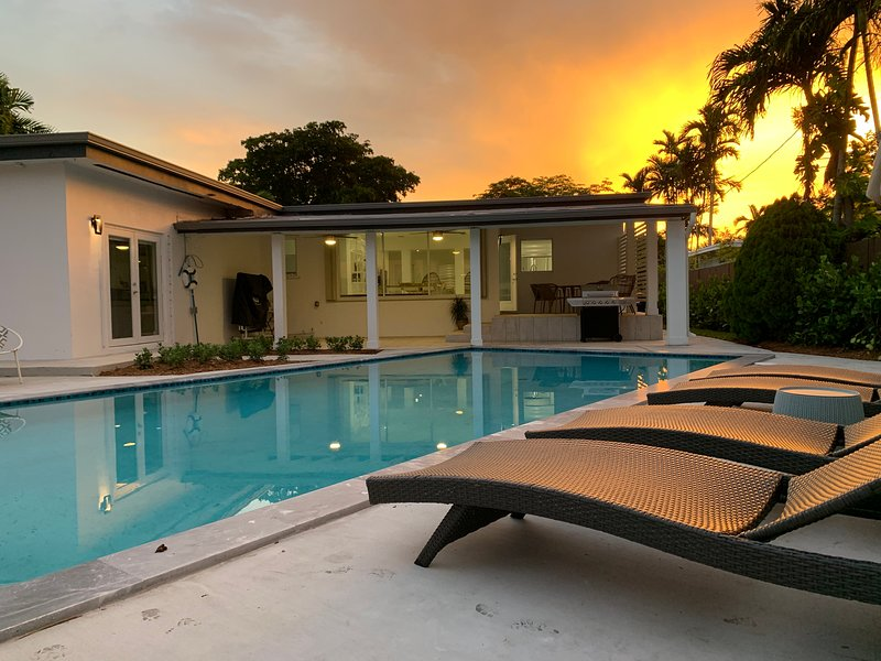 Centrally Located Luxury Pool Oasis, alquiler vacacional en Hialeah