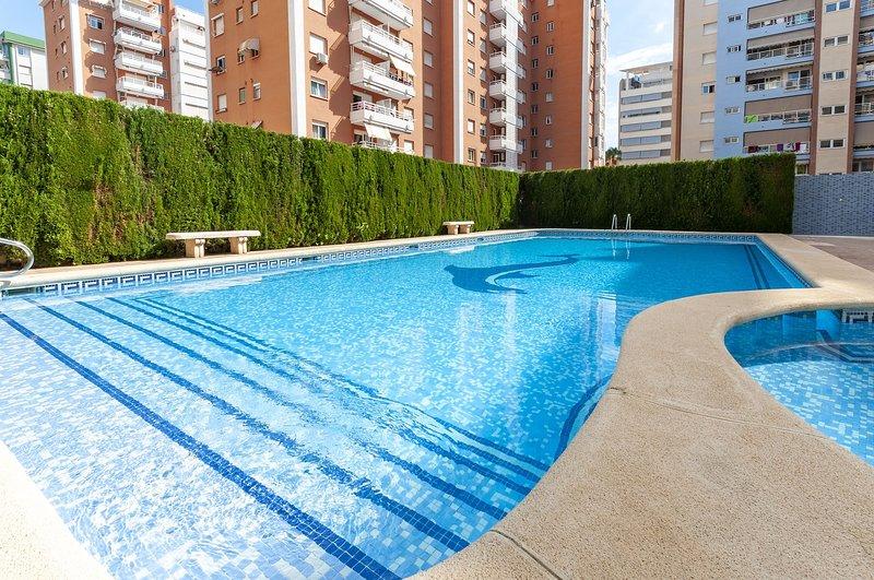 ROSAL - Apartment for 6 people in Platja de Gandia, holiday rental in Grau i Platja