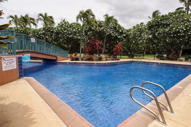 Two story condo w/ shared pool & tennis - Close to beaches, vacation rental in Kihei