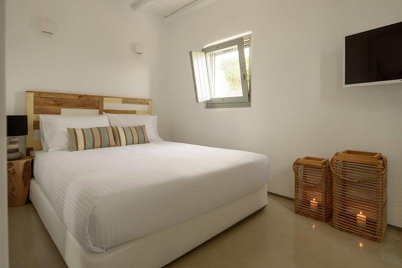The Summit of Mykonos - Panorama Island Suite, holiday rental in Kalo Livadi