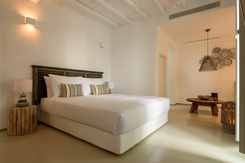 The Summit of Mykonos - Grand Vista Suite, holiday rental in Kalo Livadi