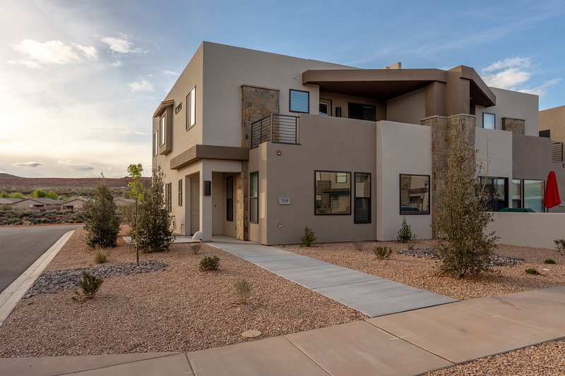 The front view of our beautiful Zion Experience home.