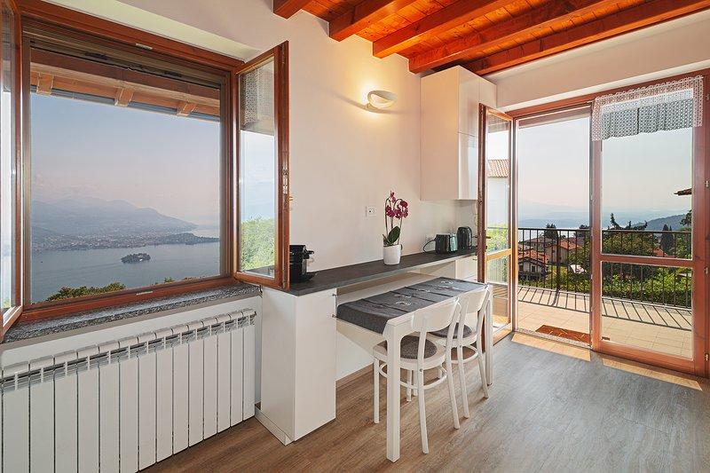 Casa Bella Vista Levo: a unique view over the Lake, alquiler de vacaciones en Stresa