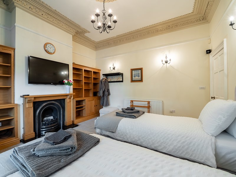 Superb Luxury 2 Bedroom Apartment In Southport Updated 2019 Download Free Architecture Designs Rallybritishbridgeorg
