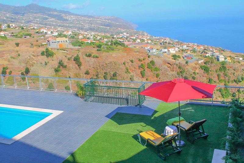 Prazeres da Vista, Atlantic View, PRIVATE POOL, casa vacanza a Prazeres