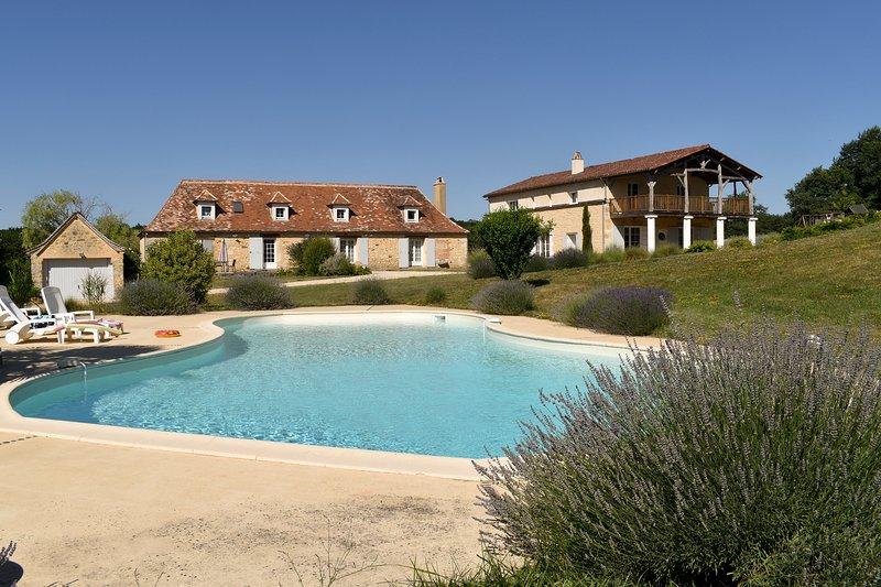 Le domaine des Ravels, maison de charme, confort, nature, calme et vue, location de vacances à Cause-de-Clérans