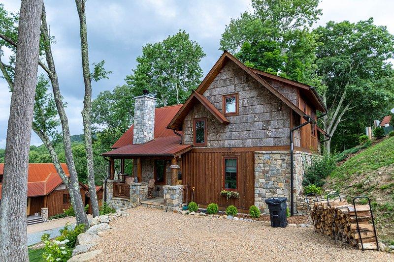 Storybook Cottage at Eagles Nest, holiday rental in Banner Elk