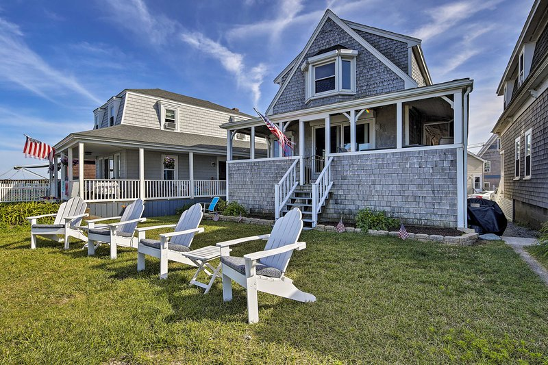 Oceanfront Cape Cod Home w/ Porch, Yard + Grill!, casa vacanza a Marshfield