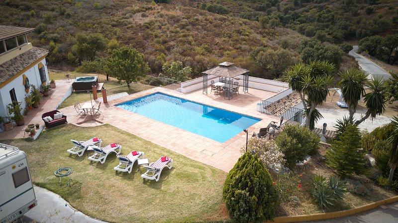 Finca El Bosques Guest House, holiday rental in La Cala de Mijas