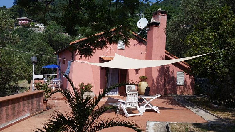 CASA OLEANDRO, vacation rental in Finale Ligure