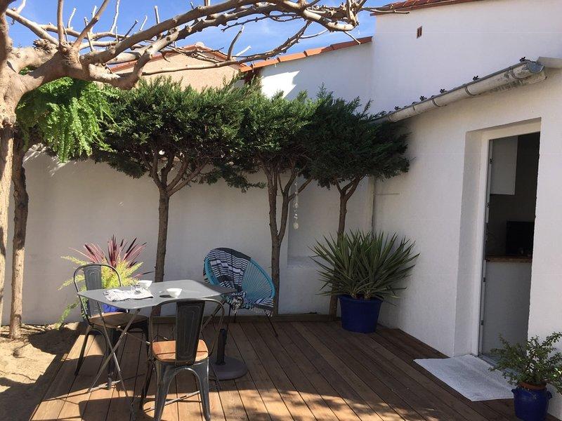 Alba Studios, Saint Cyprien Beach, Terrace