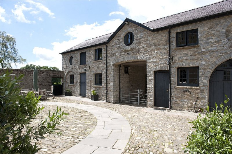 Llwynhelig Manor Self Catering  & Bed and Breakfast, alquiler vacacional en Llandeilo