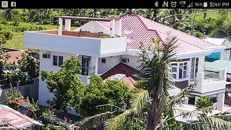 Bicol Residencia furnished, sleeps 10+,, holiday rental in Luzon