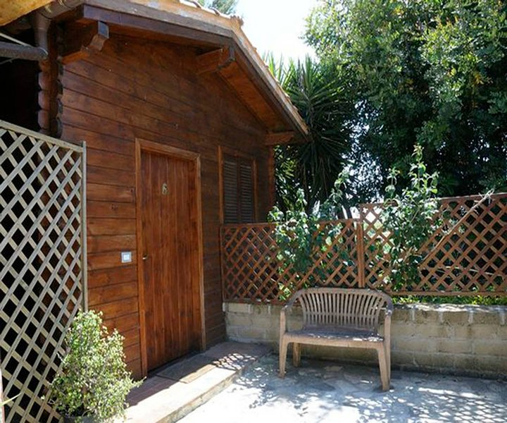Bungalous with garden in the countryside of Rome, holiday rental in Palo Laziale