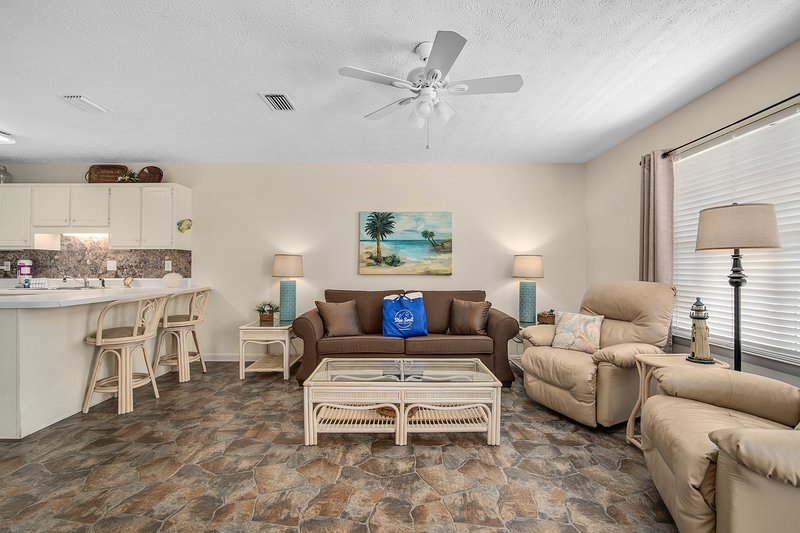 Wendwood Unit B-2 | Dreamside Vacation House-Living Room