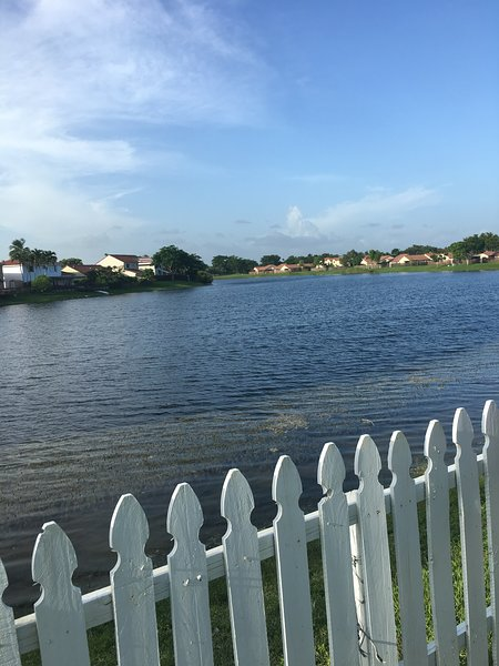 Cozy  Lake Front  Home in Kendall Miami, vacation rental in University Park