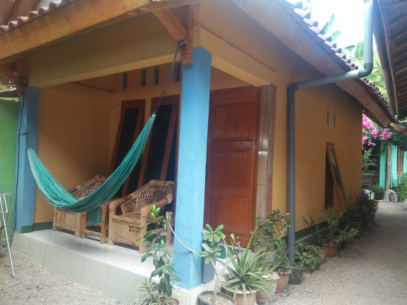 Pelangi Homestay Bungalow #2, holiday rental in Gili Gede
