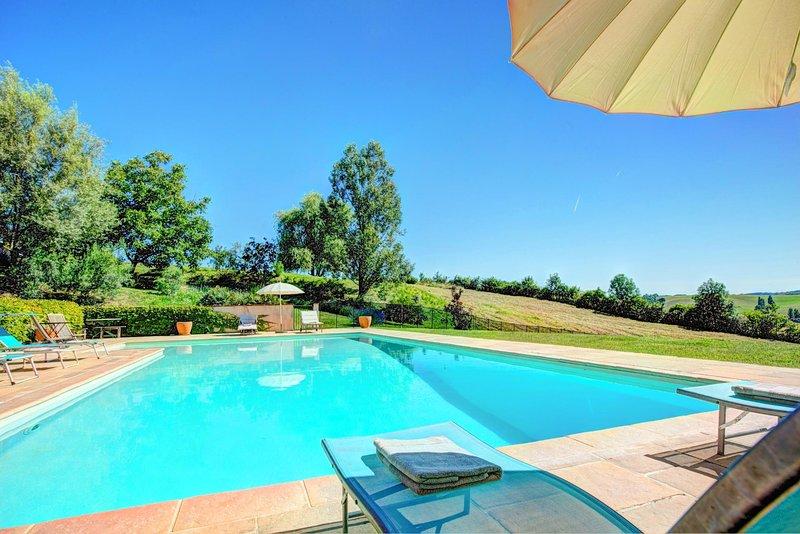 Salvagnac Villa Sleeps 16 with Pool and WiFi - 5604566, location de vacances à Rabastens