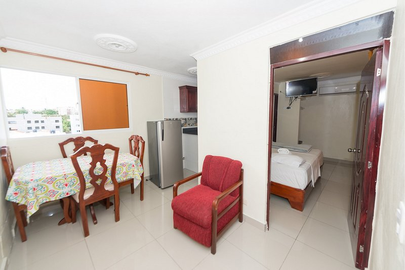 1 Bedroom Apartment Full Kitchen, Premium Wi-Fi & Netflix in Santo Domingo Este, vacation rental in Santo Domingo