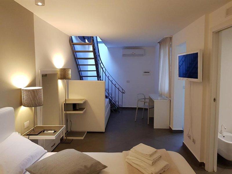Le Stanze di Piazza Cairoli - Appartamento, holiday rental in San Filippo del Mela