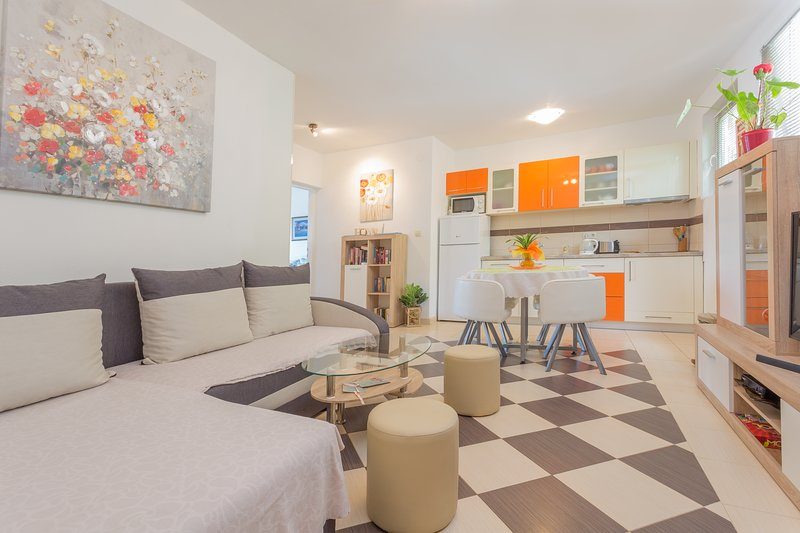 Centrally Located-suite  4+1, vacation rental in Hvar Island