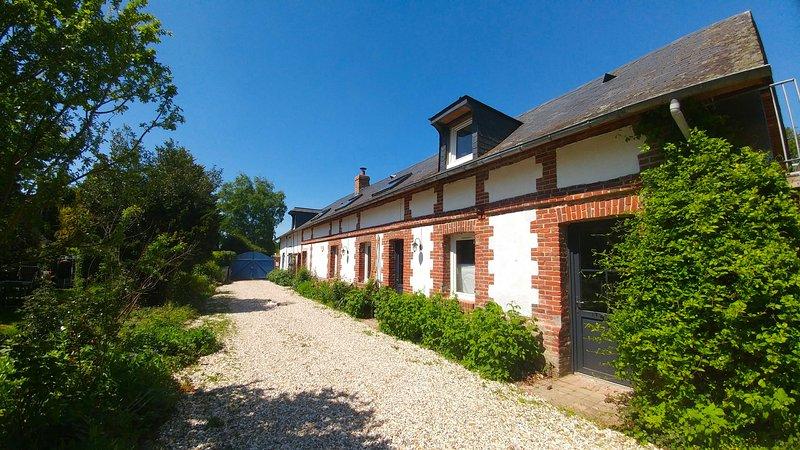 Le Nez au Jardin, chambres d'hôtes familiales, vacation rental in Martainville-Epreville