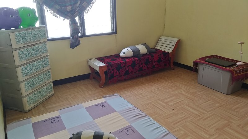 Private Cozy Room For Rent, vacation rental in Pampanga Province